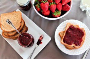 Strawberry Jam – Just 3 Ingredients (no pectin)