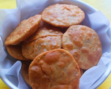 Khasta Poori / Puri / Indian Puffed Fried Bread